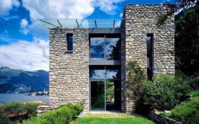 Italska willa nad brzegiem jeziora