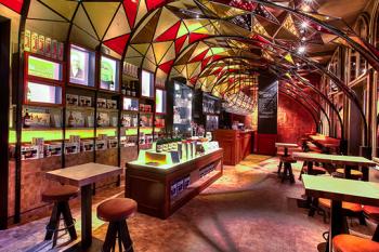 Kolorowa restauracja