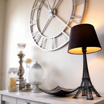Lampy w kształcie Wieży Eiffla