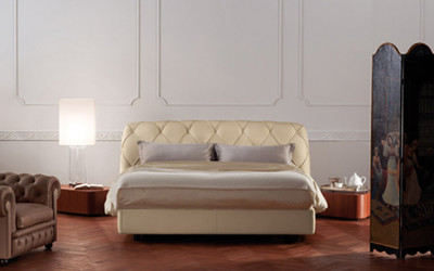 Łóżko Flair od Poltrona Frau 1