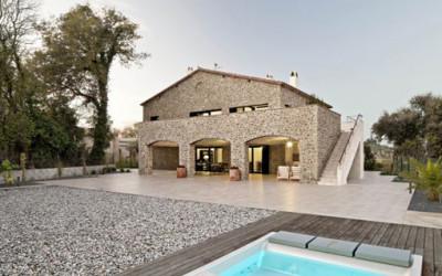 Nowoczesny dom na spokojnej wiosce w Hiszpanii