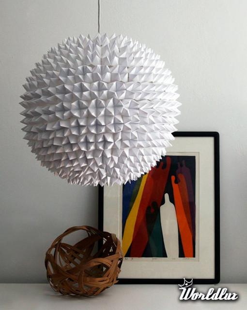 efektowna papierowa lampa ta efektowna lampa zosta a wykonana z opakowa po ciasteczkach z. Black Bedroom Furniture Sets. Home Design Ideas