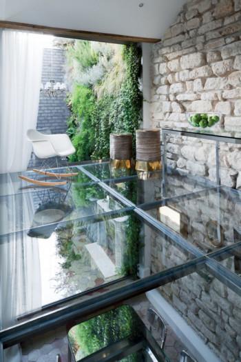 Podłoga wykonana z przeźroczystego szkła