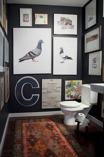Pomysł na udekorowanie pustej ściany w łazience