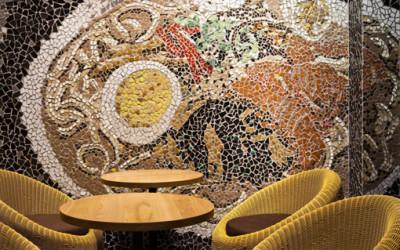 Ramen Bar Suzuki, ciekawa restauracja z zaskakującą aranżacją wnętrza.