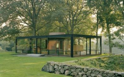 Relaks w szklanym, ogrodowym domku