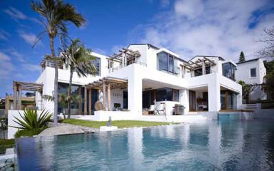Waterfront House – australijska willa nad brzegiem oceanu.