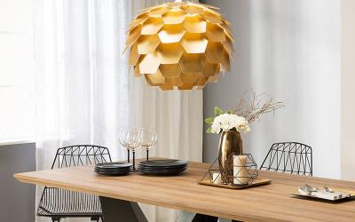 Złote lampy wiszące - dodaj blasku domowemu wnętrzu