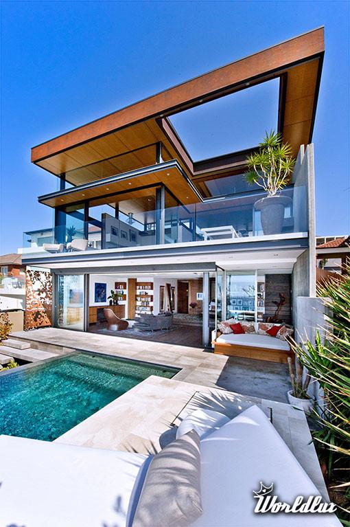 Dom Nad Oceanem Ten Zachwycaj Cy Dom Wznosi Si Wysoko