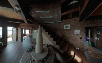 Clingstone House1