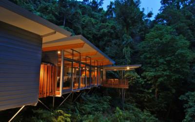 Drewniany dom na uboczu Mount Whitfield w Cairns