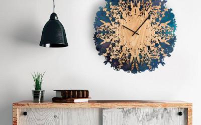 Drewniany zegar inspirowany naturą