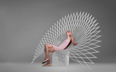 """Krzesła z kolekcji """"Paw""""."""