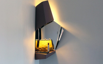 Niezwykła lampka narożna