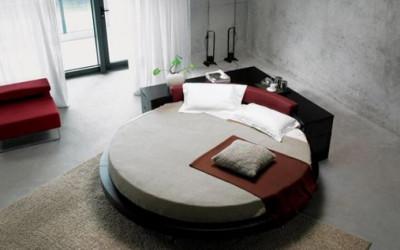Odpoczynek w okrągłym łóżku