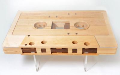 Wyjątkowy stół w kształcie kasety