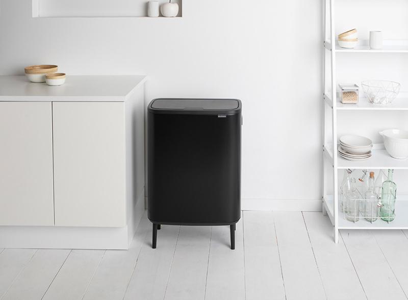 czarny kosz na śmieci kuchenny brabantia bo touch bin