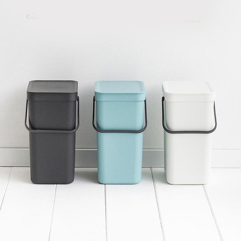 kolorowe kosze do segregowania odpadków kuchennych brabantia sort and go